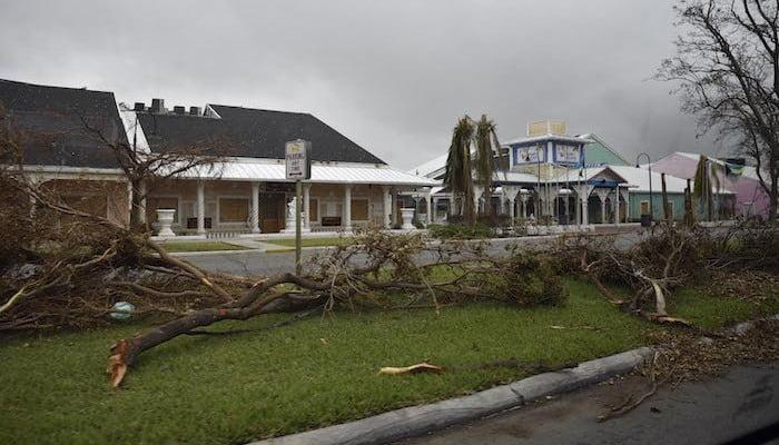 hurricane matthew damage to neighborhood in 2016